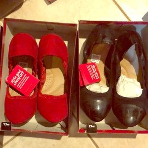 13w red and black flats